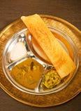 Masala Dosa с чатнями и Sambaar традиционно южная Индия Стоковые Фотографии RF
