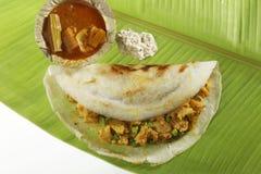 Masala Dosa met aardappel Masala, Chutney en Sambhar wordt gevuld die Royalty-vrije Stock Afbeeldingen