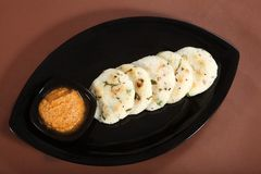 Masala Idli, bolo de arroz salgado imagem de stock