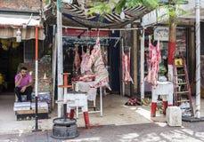Masarka sklep z świeżym surowym mięsem Obraz Royalty Free
