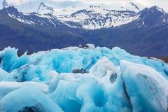 Masas de hielo flotante de la laguna del hielo en Islandia Foto de archivo libre de regalías
