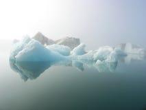 Masas de hielo flotante Islandia Imágenes de archivo libres de regalías