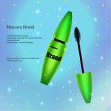 Mascara met borstel in groen, een affiche, een banner op een lichte gevoelige achtergrond met flarden en lovertjes Stock Afbeelding