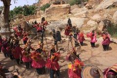 Mascarada fúnebre de la danza de Dogon Foto de archivo libre de regalías