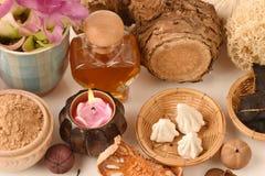 Mascare WAN-chak-mot-luk (nome tailandês) (xanthorrhiza Roxb da curcuma ), tamarindo, macio-preparado giz e mel, para ajudar a de Fotos de Stock Royalty Free