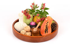 Mascarilla para el tratamiento del acné con la papaya y la miel Foto de archivo libre de regalías