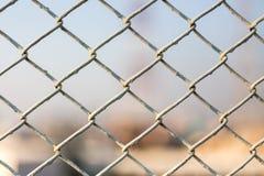 Maschendraht-Zaunhintergrund Lizenzfreie Stockfotos