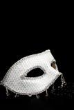 Maschera brillante d'argento e perle nere immagine stock libera da diritti