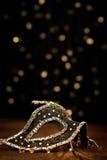 Maschera decorata con le luci festive immagini stock libere da diritti