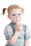 Maschera dell'inalatore della tenuta della ragazza del bambino Immagini Stock