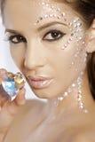 Maschera della donna bella con il cuore del diamante Fotografia Stock