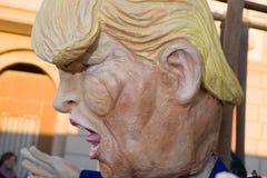 Maschera di Donald Trump al carnevale del viareggio fotografia stock libera da diritti