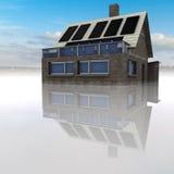 Maschera di pietra isolata della casa con il cielo Fotografie Stock Libere da Diritti