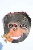 Maschera di protezione fatta a mano dell'argilla con il pesce Fotografia Stock