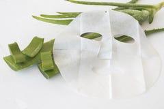 Maschera naturale dello strato per il fronte della pelle dai fiori di erbe Fotografia Stock