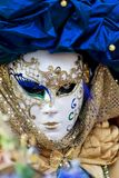 Maschera veneziana tradizionale di carnevale Fotografia Stock