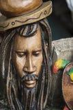Maschere di legno scolpite di Bob Marley in Giamaica fotografia stock libera da diritti