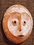 Mascherina africana di legno immagini stock