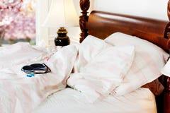 Mascherina & earplugs di sonno Fotografia Stock Libera da Diritti