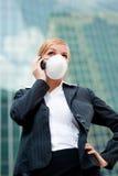 Mascherina da portare della donna di affari Fotografia Stock Libera da Diritti
