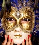 Mascherina veneziana con bellezza del chiodo fotografia stock