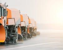 Maschine, auf den Straßen Schnee-entfernen, die Schnee säubern Stockfotografie