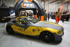 Maschine, die BMW Cabrio angezeigt an der 3. Ausgabe von MOTO-ZEIGUNG in Krakau abstimmt lizenzfreies stockfoto