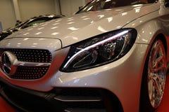 Maschine, die Mercedes angezeigt an der 3. Ausgabe von MOTO-ZEIGUNG in Krakau abstimmt polen Lizenzfreies Stockbild