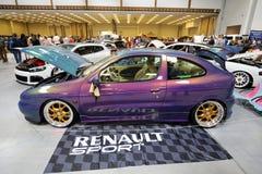 Maschine, die Renault angezeigt an der 3. Ausgabe von MOTO-ZEIGUNG in Krakau abstimmt Stockfotografie