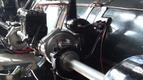 Maschinenraum der Pumpstation des historischen Dampfs stock video