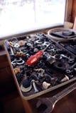 Maschinerieausrüstung in einem Kasten, vertikal lizenzfreies stockbild