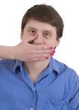 Maschio del ritratto con la bocca coperta Immagine Stock