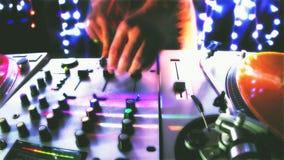 Maschio fresco DJ stock footage