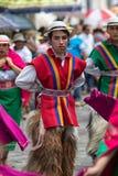 Maschio indigeno in abbigliamento colourful nell'Ecuador Fotografia Stock