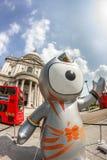 Mascota de las Olimpiadas de Londres 2012 Imágenes de archivo libres de regalías