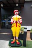 Mascota de un restaurante de McDonald's Imagen de archivo libre de regalías
