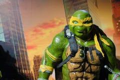 Mascote da fibra de vidro de Ninja Turtle Orange Michelangelo fotos de stock royalty free