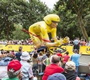 Mascotte de cycliste de jaune de LCL - Tour de France 2015 Images libres de droits