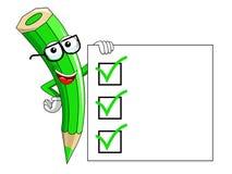 Mascotte della matita di colore verde che presenta spazio in bianco per fare lista isolata Immagine Stock