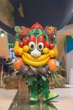 Mascotte Foody che posa pezzo 2015, scambio internazionale di turismo a Milano, Italia fotografia stock libera da diritti