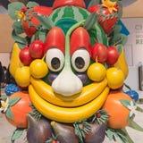 Mascotte Foody che posa pezzo 2015, scambio internazionale di turismo a Milano, Italia Fotografie Stock