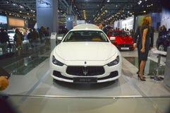 Maserati Chibli S Q4 白色颜色 莫斯科国际汽车沙龙保险费 库存照片