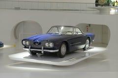 Maserati 5000GT путешествуя - выставка Maserati столетняя Стоковые Изображения