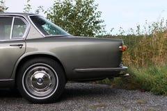 Maserati Quattroporte 1965 - dejado detrás del coche fotos de archivo libres de regalías