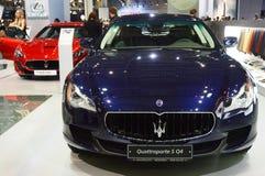 Maserati Quattroporte S Q4 zmrok - błękitna Kruszcowa Moskwa samochodu salonu Międzynarodowa premia Obraz Stock