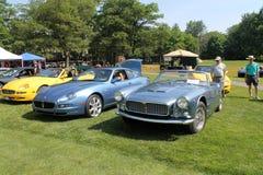 Maserati-Sportautos in der Aufstellung neu und alt Stockbilder