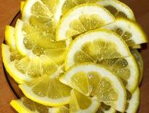 Masern Scheiben der frischen gelben Zitrone Hintergrundmuster Stockfotografie