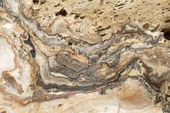 Masern Sie Foto des Onyxmarmors, silberner mit einem Band versehener Felsen in braunem Grau w Stockbilder