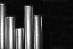 Masern Sie modernen Hintergrund des Designs mit Linien der vertikalen Streifen im Schwarzweiss-Hintergrund Lizenzfreie Stockbilder