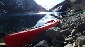 Masfjordnes - la Norvège, l'amour éternel de deux kayaks Hei Kjetil et Edgar Ibsen Photos libres de droits